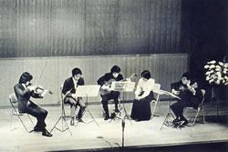 現代ギター誌'73年1月号 写真中央 小山文雄